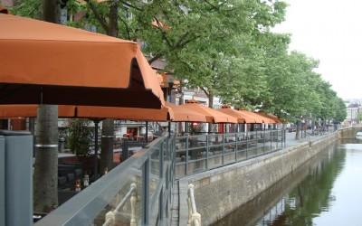Fire parasols en schermen W&O lichtreclame