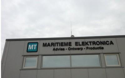 MT maritieme techniek W&O lichtreclame freesletters - kopie
