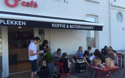O Cafe utrecht gevelletters terrasscherm