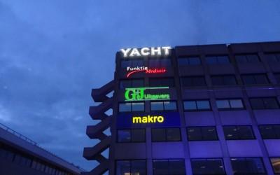 Yacht Zuidpark G+J Media lichtreclame