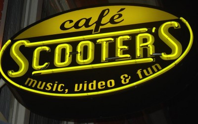 cafe scooters W&O lichtreclame NEON uithangbord
