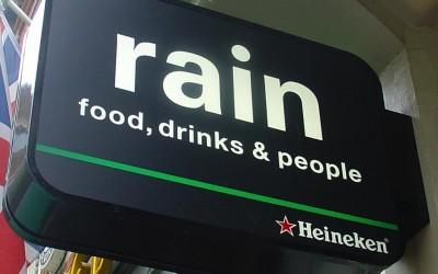 rain lichtbak W&O lichtreclame Heineken LED uithangbord
